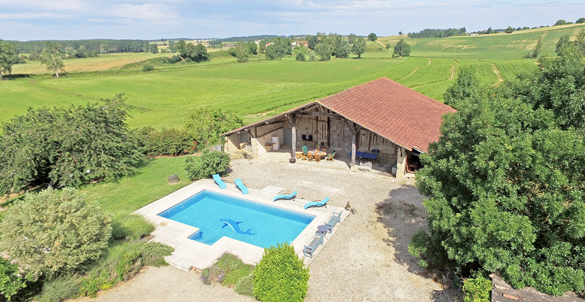 Maison d'amis is set amongst rolling countryside and farmland