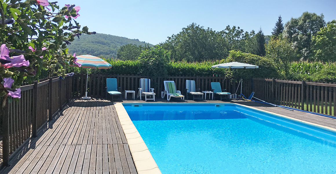 The private heated pool with fabulous views