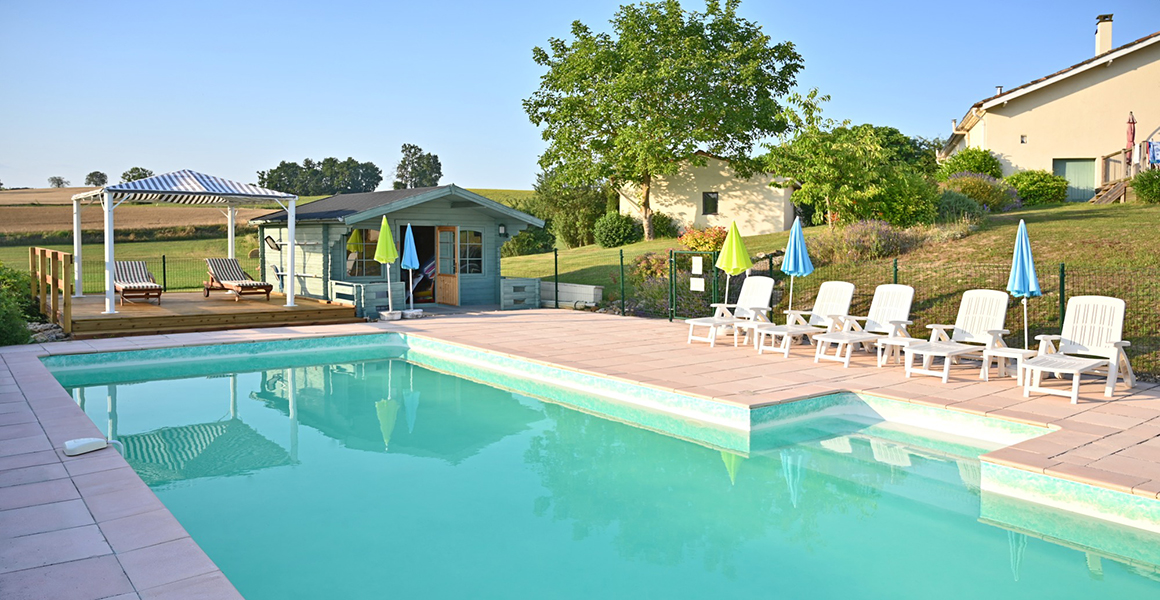 The lovely shared pool overlooking the countryside
