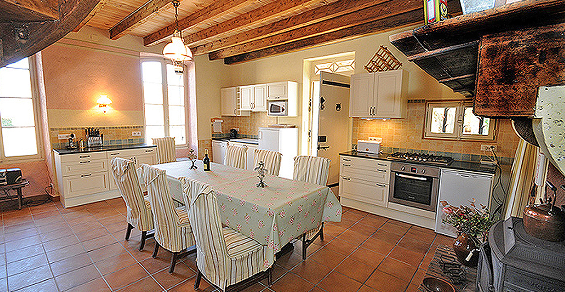 Maison kitchen