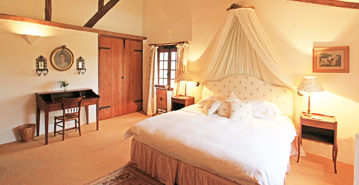 The Farmhouse first floor double ensuite bedroom